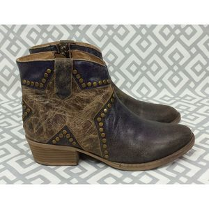 Circle G By Corral Bone Star Stud Ankle Boots 9.5